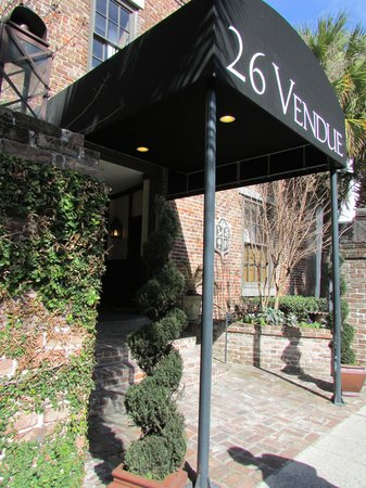The Vendue Charleston's Art Hotel: Entrance to the Vendue