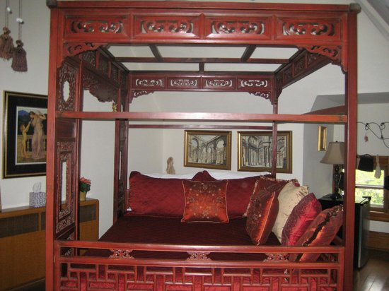 Mansion District Inn Bed & Breakfast : Chinese Bed