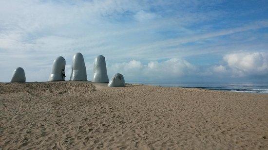 Playa Brava: la mano