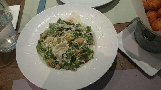 Hyde & Seek Gastro Bar: Caesar's salad