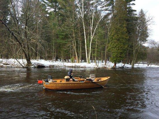 Pere Marquette River Lodge : Frank's custom wood boat