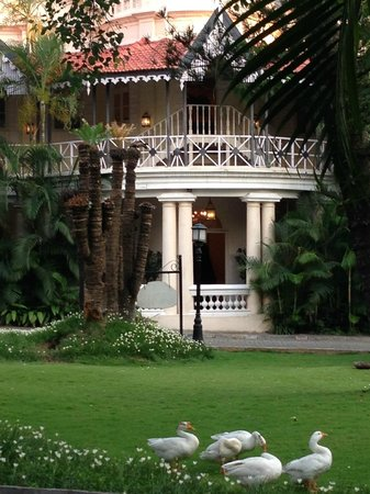 The Taj West End: Grounds