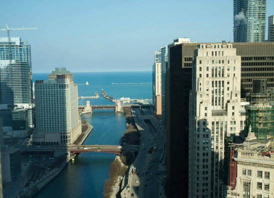 Trump International Hotel & Tower Chicago: Lake & River view - 27th Floor