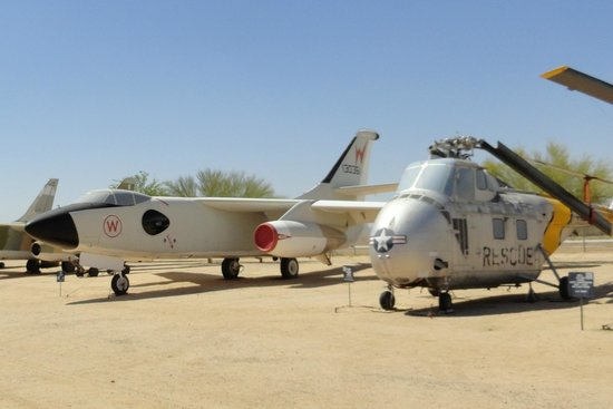Pima Air & Space Museum : Helicopters, too!