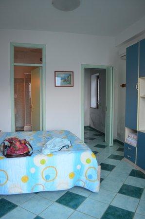 Giardino dei Limoni B&B: View of our room