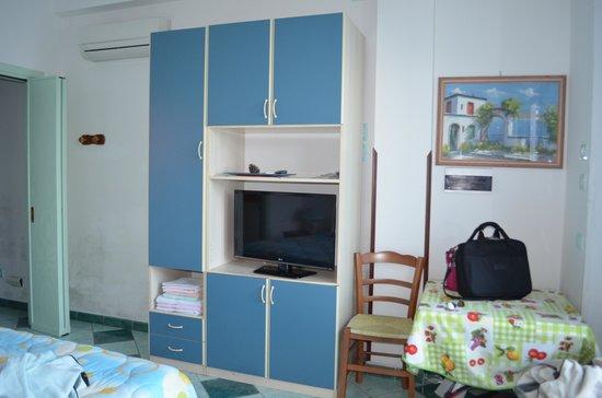 Giardino dei Limoni B&B : View of our room
