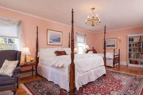 Kennebec Inn: Captain Perkins Room