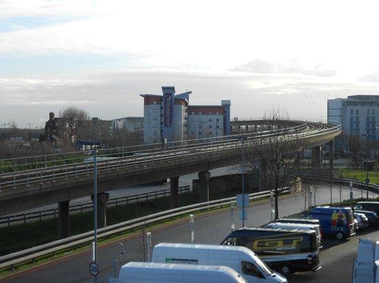 Premier Inn London Docklands (Excel) Hotel : View of the hotel Prince Regent DLR Station