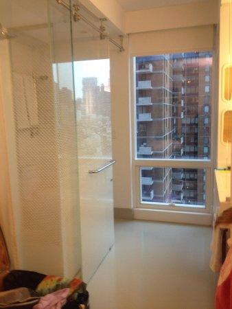 YOTEL New York: Bathroom area