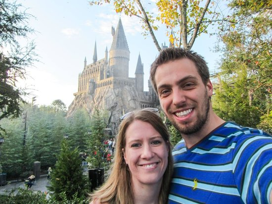 The Wizarding World of Harry Potter: In front of Hogwarts