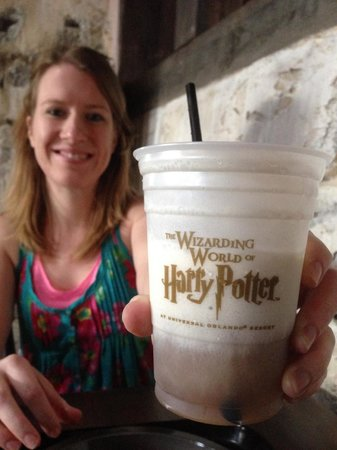 The Wizarding World of Harry Potter: Butterbeer!