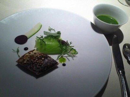 L'Astrance: 焼き魚に味噌で味付け