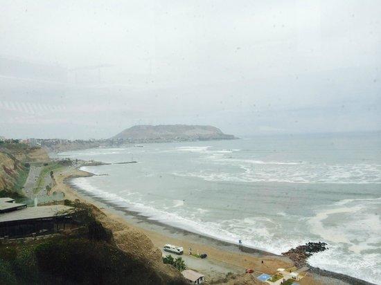 Four Points By Sheraton Miraflores: Lacromar beach view off of Larcomar Shopping