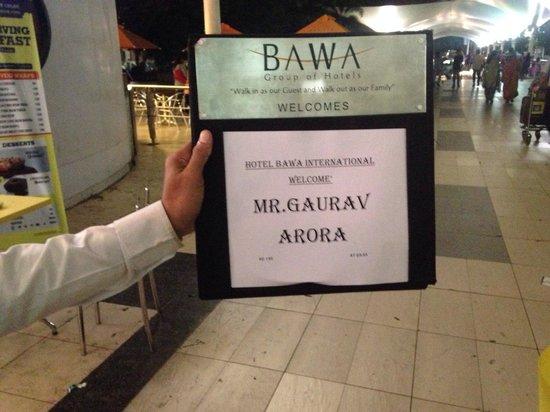 Hotel Bawa International: Pick up boy