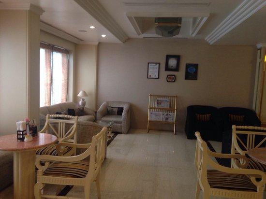 Hotel Bawa International: Lobby