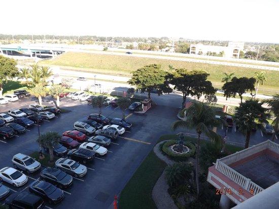 Stadium Hotel: Vista do quarto-Rodovia