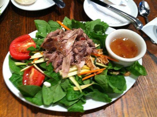 M's Pub: Duck Salad