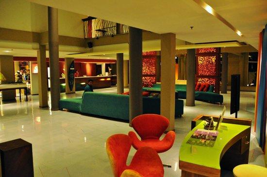All Seasons Legian Bali: Foyer