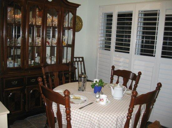 Pam's Bed and Breakfast : Breakfast room