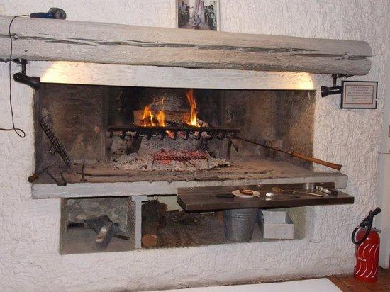 SARL Le Cathare: hogar antes de servir