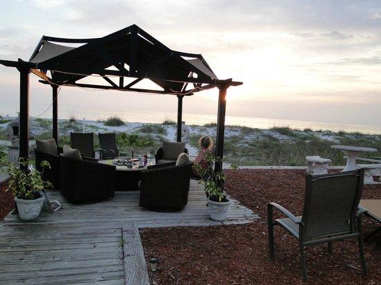 Sun N Fun Beachfront Vacation Rentals: Cabana