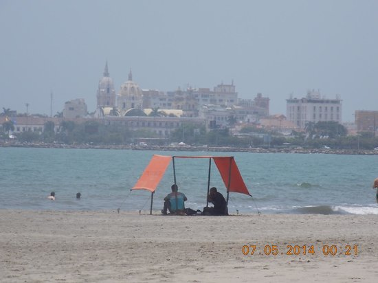 Hotel Capilla del Mar: Hotel view on the beach