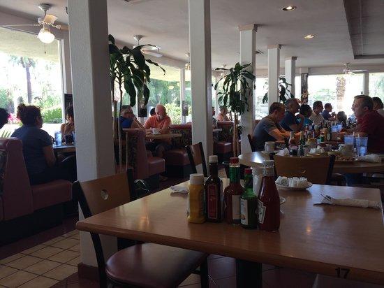 Rick's Restaurant & Bakery: Ресторан