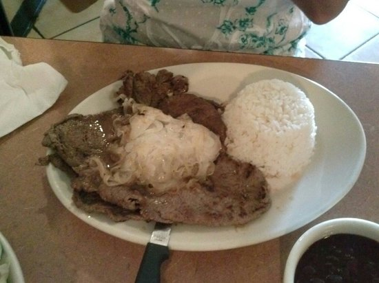 Cuban Diner : Bistec De Palomilla with white rice & black beans - awesome....