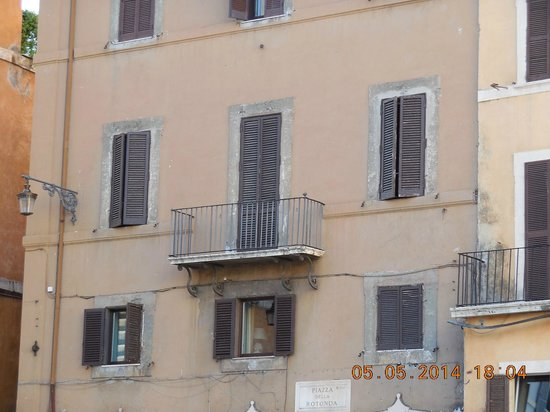 Albergo del Sole Al Pantheon : Our balcony