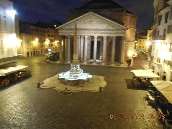 Albergo del Sole Al Pantheon : View from our balcony