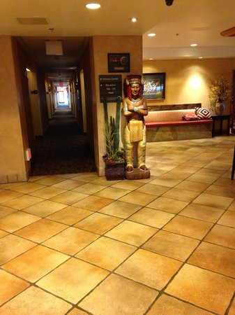 Hampton Inn Kayenta : Una parte della hall...