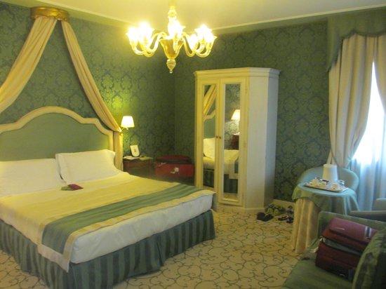 UNA Hotel Venezia: Quarto Executivo