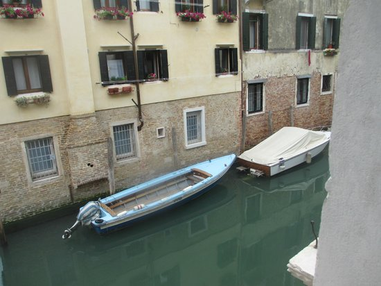 UNA Hotel Venezia: Vista do Canal
