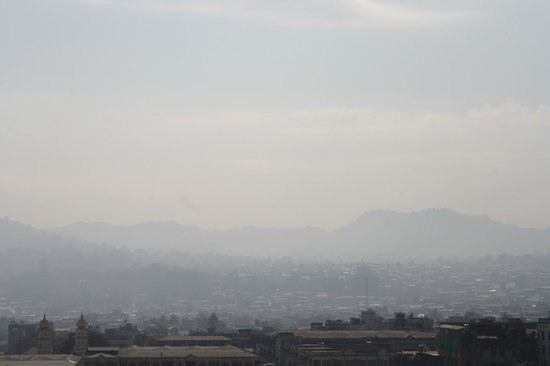 Golden Hill Hotel : misty morning again