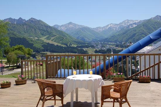 Hotel Sierra Resort : Terrace in green season