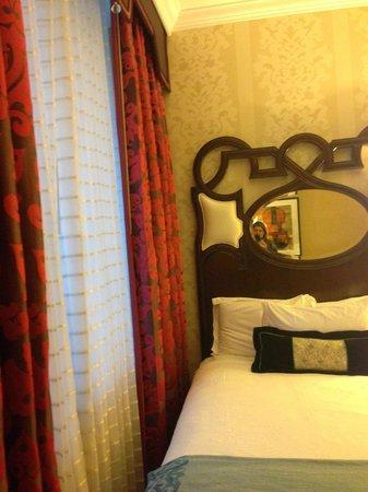 Kimpton Hotel Monaco Chicago: Room at Hotel Monaco Chicago