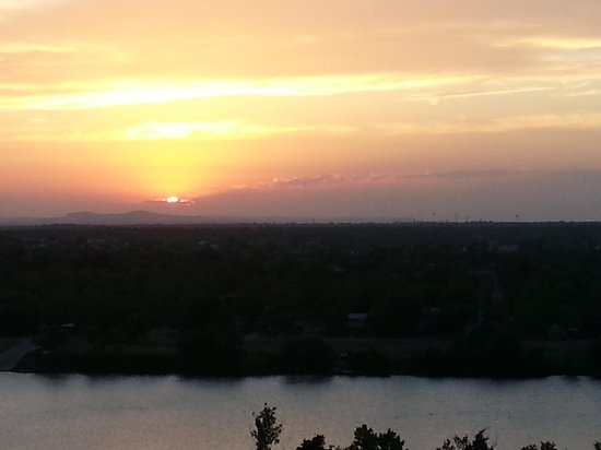 La Quinta Inn & Suites Marble Falls: Another gorgeous sunset