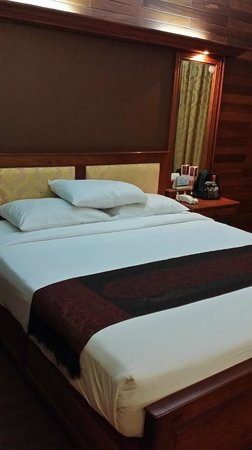 City River Hotel: Nice, clean and comfy bed