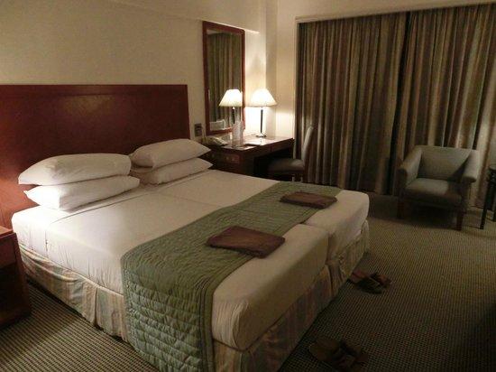 Bangkok Palace Hotel: ベット