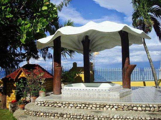 Baluarte de Argao Beach Resort: jacuzzi