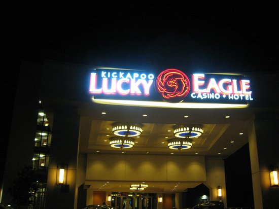 Kickapoo Lucky Eagle Hotel: Arrived late but ready to play!