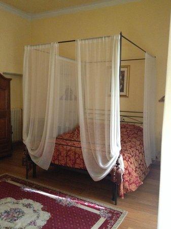 Palazzo dal Borgo Hotel Aprile: Bed
