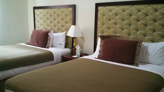 Murray Hotel: Nice double queen beds