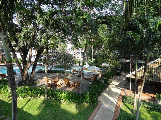 Woodlands Hotel & Resort : Номер. Вид из окна