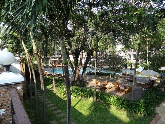 Woodlands Hotel & Resort : Вид из номера