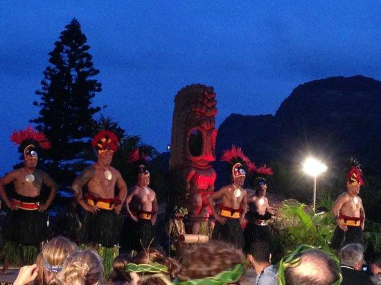 Chief's Luau at Sea Life Park : The men of Tahiti