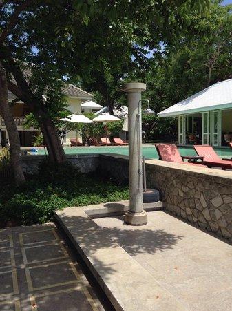 Baan Bayan: Allein im Hotel und Pool