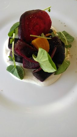 The Penthouse at the Huntley Hotel: The yummy beet salad