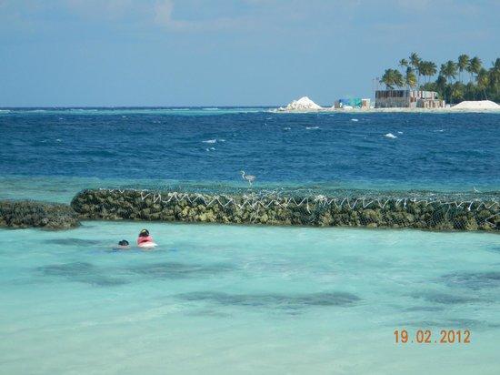 Даалу: Пляж со стороны рифа