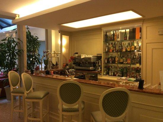 Hotel Bella Venezia : Delightful Bar area